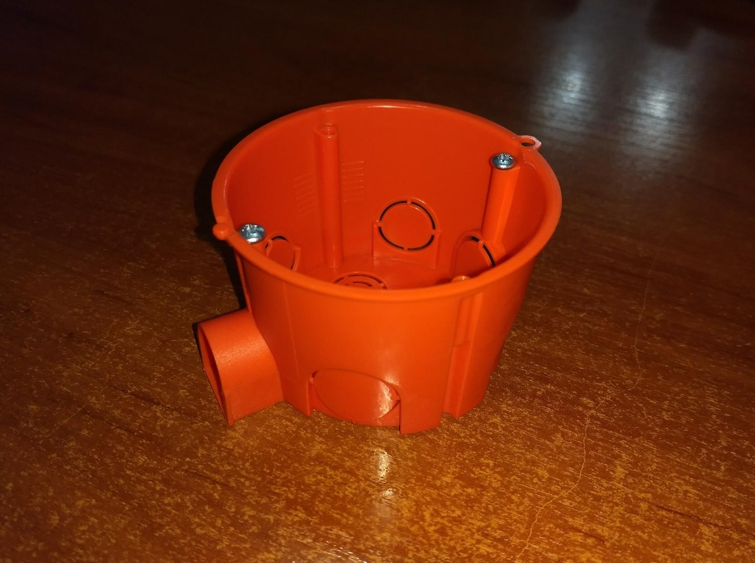 Европодрозетник оранж для полнотелых стен